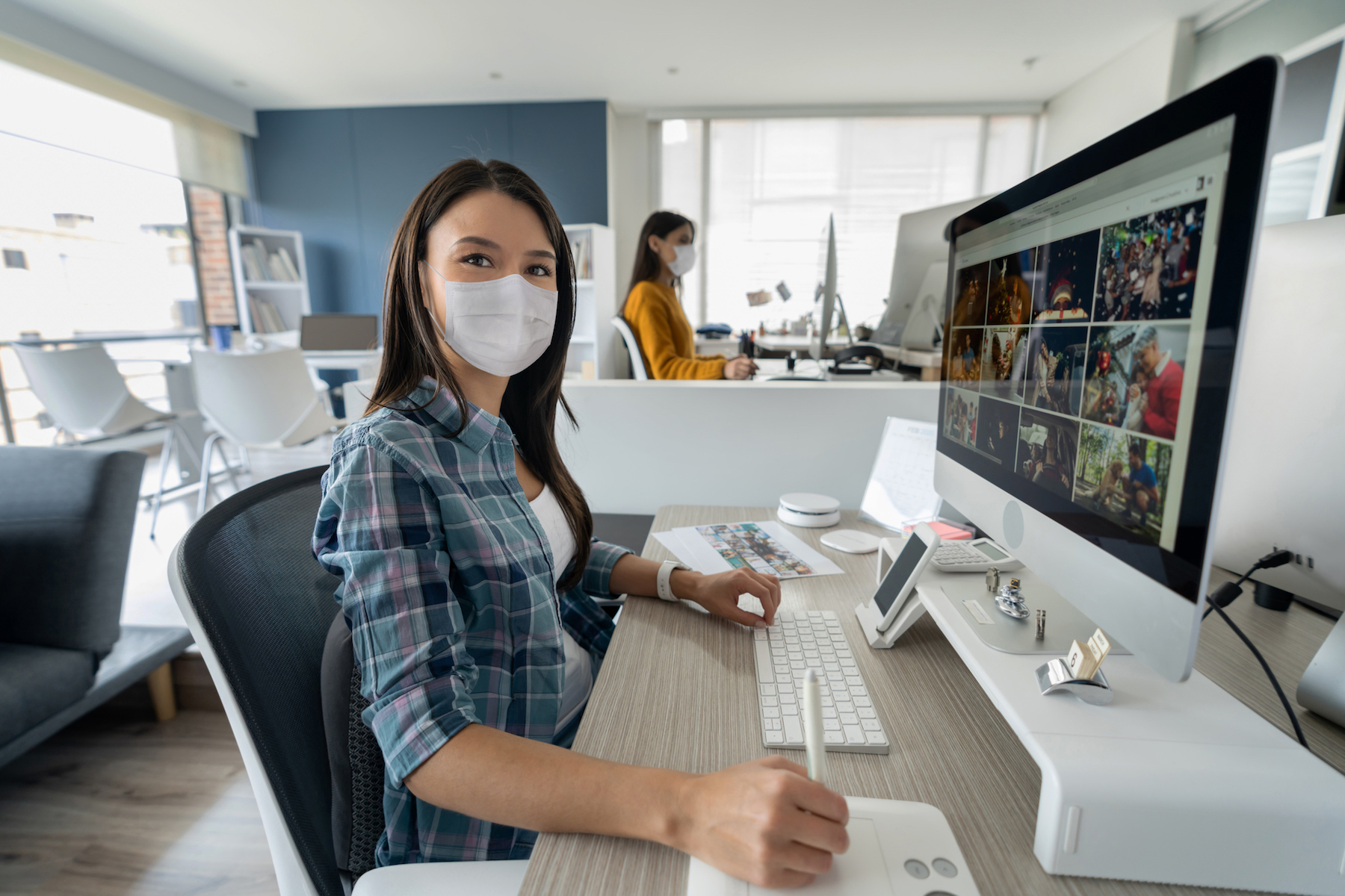 office worker with facemask